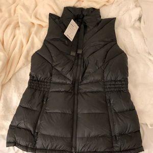 8b19344db85e Athleta Jackets   Coats - ATHLETA Banner Peak Down Vest L Black (Brand ...